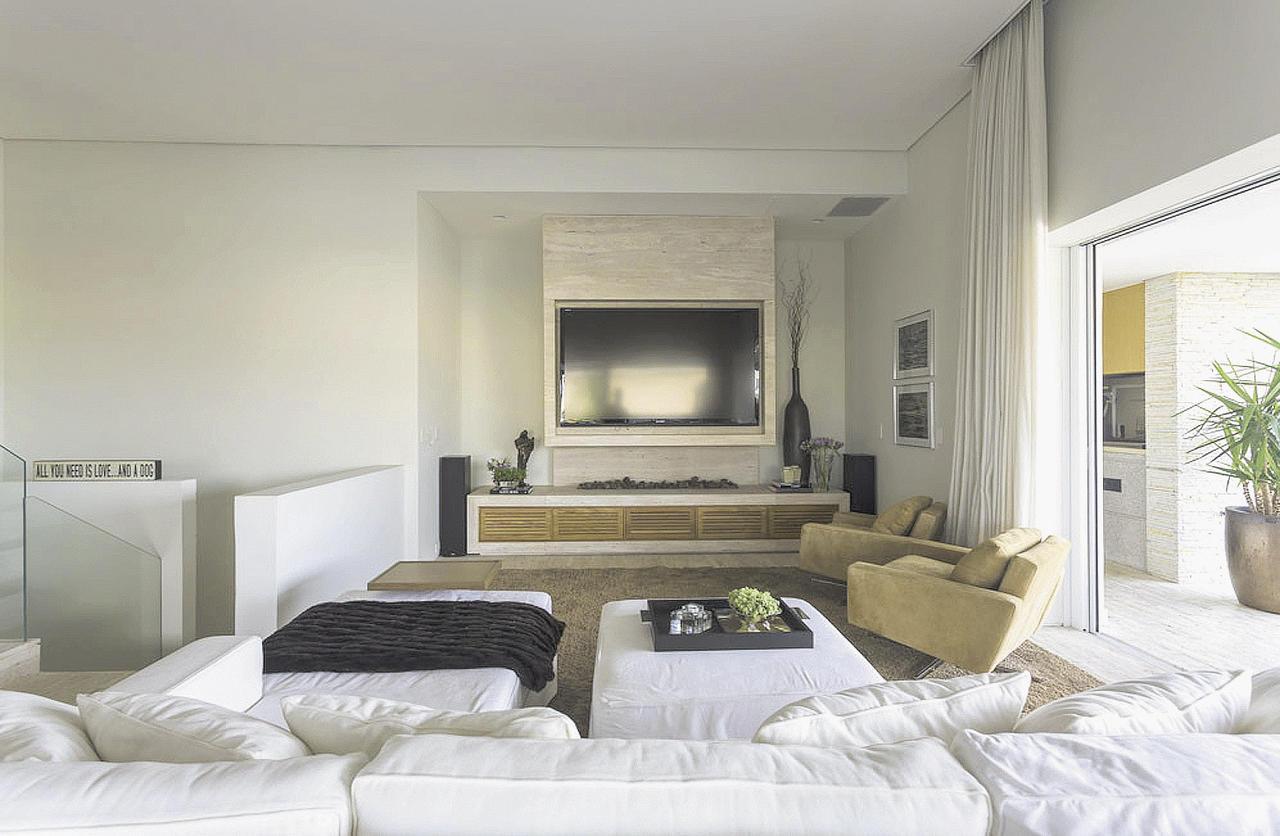 Decora o de duplex exige criatividade 08 09 13 casa acabamento jornal cruzeiro do sul - Deco muur corridor ...
