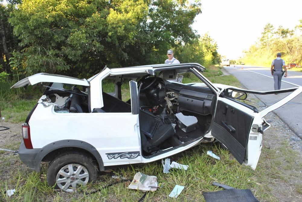 Uno seguia sentido Pilar do Sul e foi atingido pelo Fiat Strada, que teria invadido a pista contrária - Sérgio Santos/Cortesia