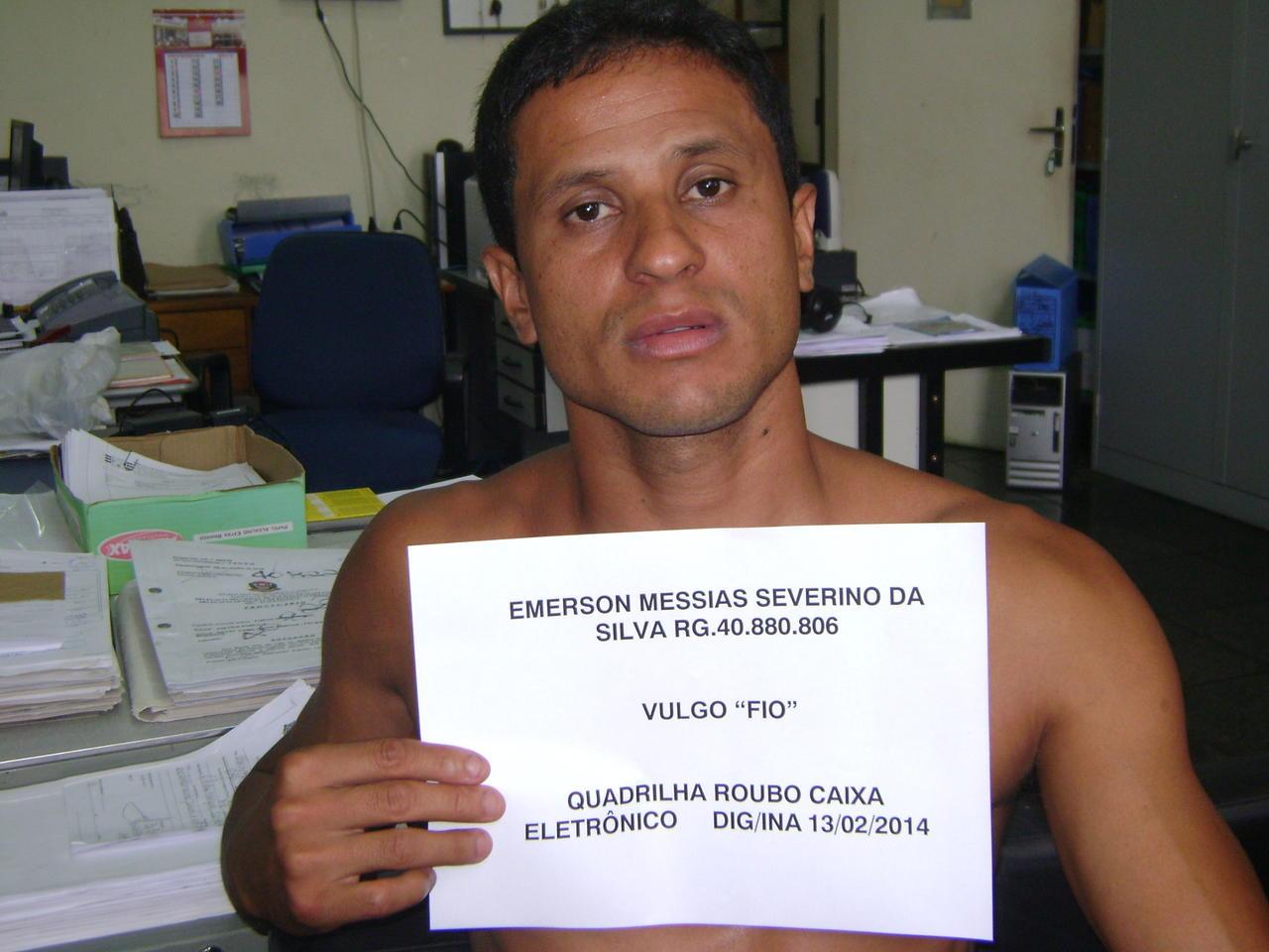 Emerson Messias Severino da Silva - ADIVAL B. PINTO