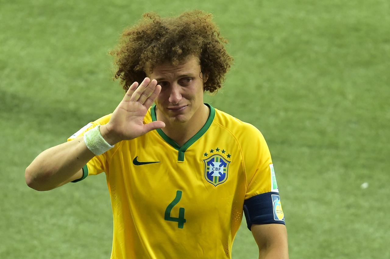 David Luiz pediu desculpas aos brasileiros pelo vexame passado - AFP PHOTO    GABRIEL BOUYS e9de1530793e4