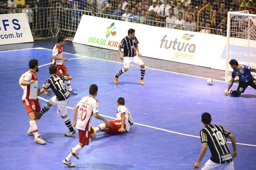 Brasil Kirin e Corinthians jogaram segunda-feira (3) pela segunda fase da  Liga a3b965853d864