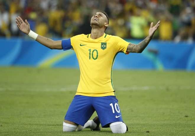 3f643140b3 Neymar cobrou o último pênalti que deu a vitória à Seleção - AFP / Odd  Andersen