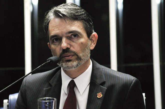 TCU dá mais 15 dias para Dilma apresentar defesa sobre contas