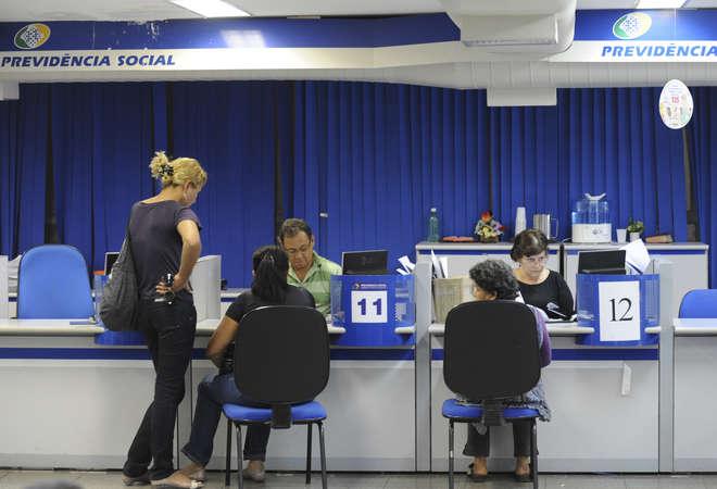 Trabalhador que deixou de contribuir pode voltar a ter auxílio do INSS- Fábio Rodrigues Pozzebom  ABr