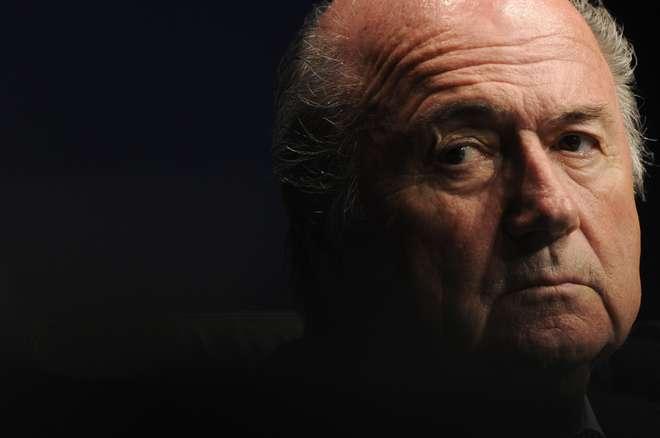 CAS nega recurso e mantém afastamento de Blatter por seis anos