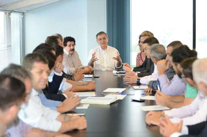 Na reunião, Crespo pediu votos favoráveis e disse que a reforma trará economia - ERICK PINHEIRO