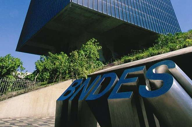 Pensar que bndes segura cr dito esdr xulo diz chefe do for Banco exterior internet 24