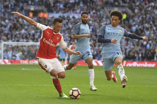Guardiola confirma Gabriel Jesus em viagem do City para decisão contra Arsenal