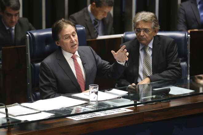 Resultado de imagem para Presidente do Senado é internado na UTI após desmaio
