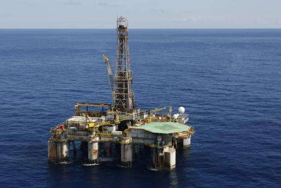 Governo faz leilão para exploração de petróleo em três estados