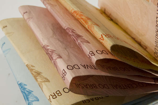'Estadão Notícias': Revisão da meta da inflação prova independência da economia?
