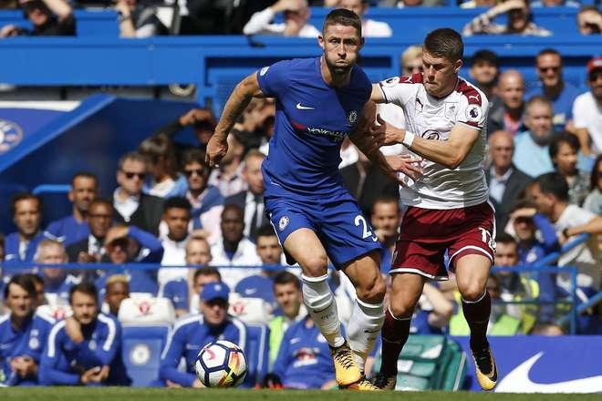 Burnley vence em casa do Chelsea, Rooney decide em Goodison Park