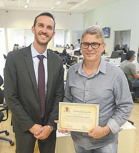 Rafael ao lado do presidente do Conselho de - FÁBIO ROGÉRIO