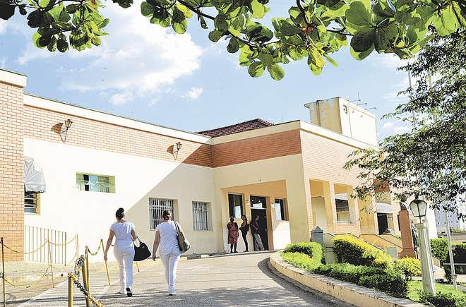 A Prefeitura admitiu a ausência de manutenção no prédio do hospital, mas negou haver falta de estoque de lençóis - EMIDIO MARQUES/ARQUIVO JCS (3/4/2017)