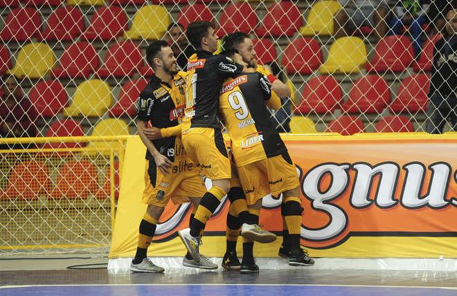 O time sorocabano vem duas vitórias sobre Dracena nas quartas - EMÍDIO  MARQUES   ARQUIVO JCS f30404904f93d