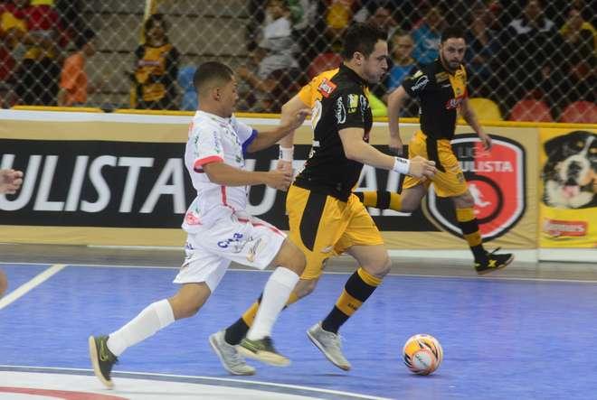 Magnus Futsal enfrenta o Barueri nesta terça c03c965862bd1