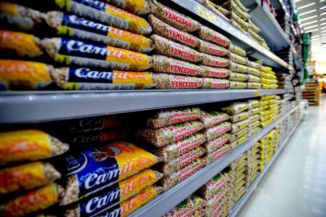 Custo da cesta básica de Curitiba recua 3,48% em agosto, mostra Dieese