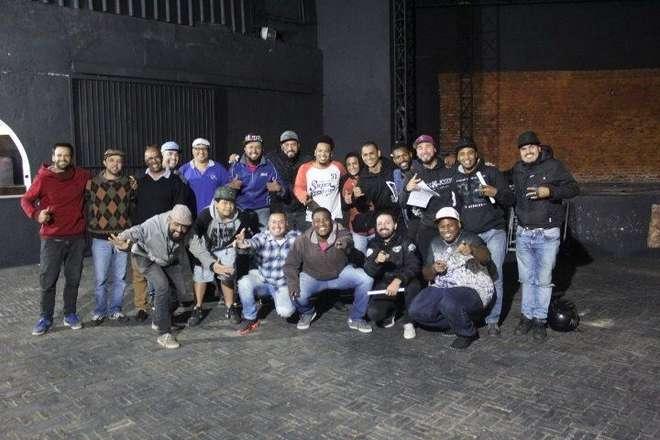 Flavinho batucada é um dos fundadores do projeto Conexão Zero15, uma roda de samba autoral que ocorre às segundas-feiras, no Barracão Londres - DIVULGAÇÃO