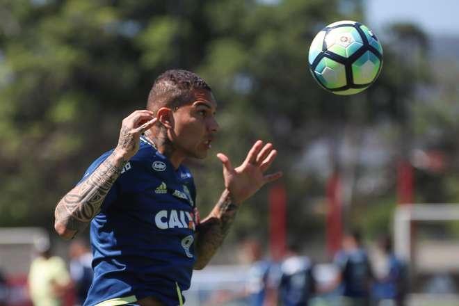 Defesa pede absolvição e Fifa deve estender suspensão de Guerrero