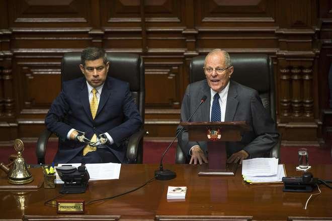 Dois advogados pedem bloqueio do processo de destituição do Presidente do Peru