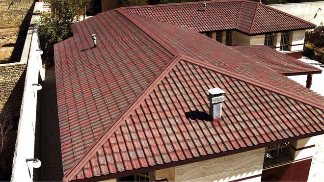 O recomendado é uma vistoria semestral para telhados e para calhas, uma inspeção mensal - DIVULGAÇÃO