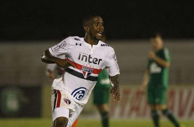 Chape perde para o São Paulo e está fora da Copinha