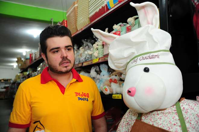 Felipe Dijos: encomenda de 70 toneladas de chocolate somente para esta época do ano - EMIDIO MARQUES