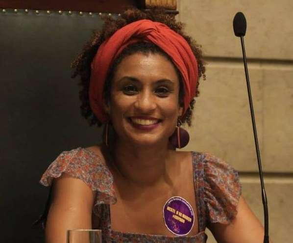 Vereadora do Rio de Janeiro é assassinada a tiros