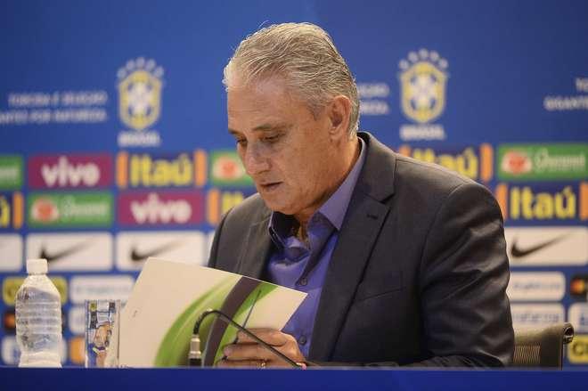 Seleção brasileira faz primeiro treino na Rússia para amistoso