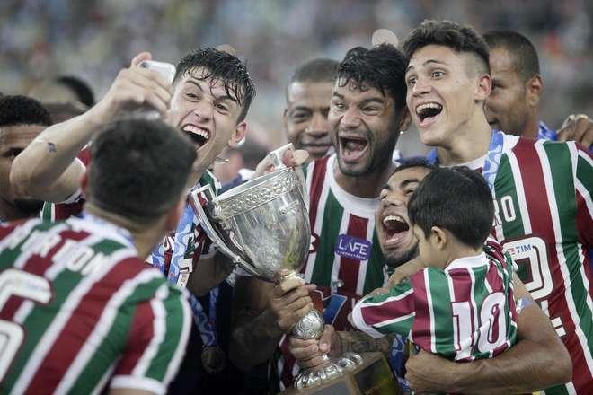 Resultado de imagem para Fluminense goleia o Botafogo e é campeão da Taça Rio