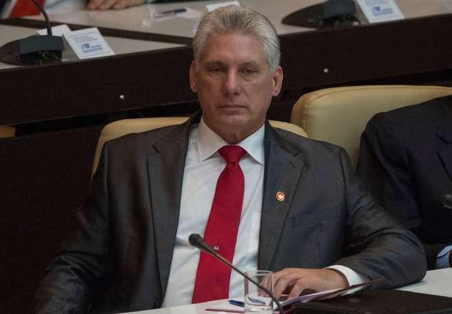 Novo presidente de Cuba recebe Maduro em primeiro ato oficial