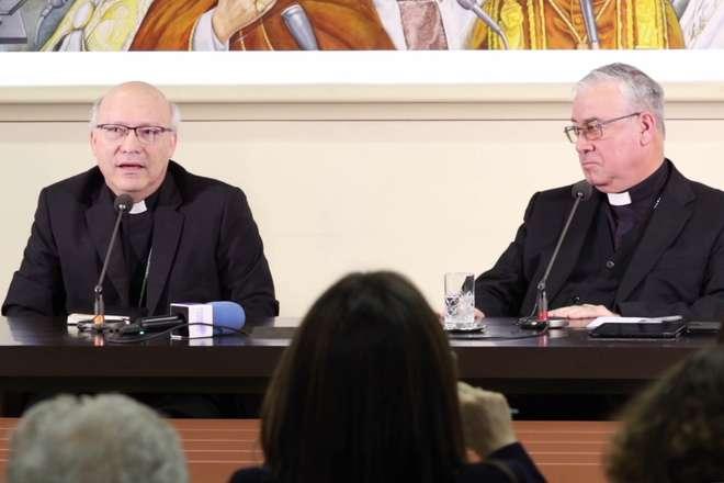 Bispos chilenos apresentaram renúncia ao Papa — Escândalo sexual
