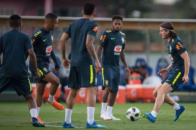 40e45ffd0d Seleção brasileira já está no CT do Tottenham - 28 05 18 - ESPORTES ...