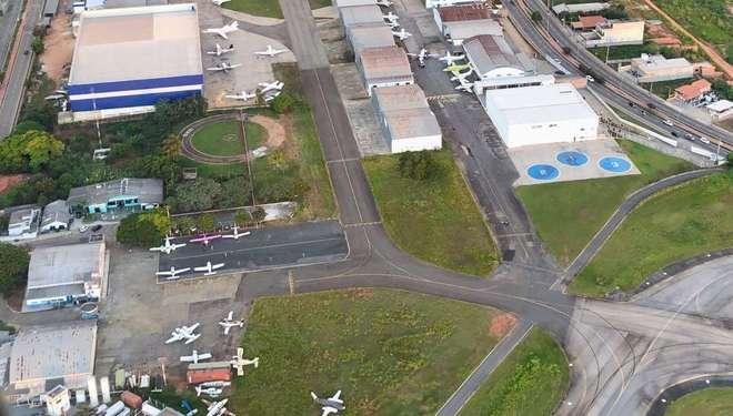 Resultado de imagem para hangar do aeroclube de Sorocaba