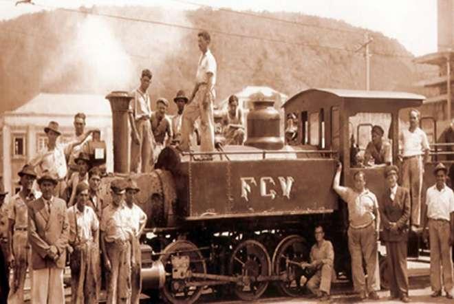 Foto histórica tirada no primeiro ano de funcionamento da Fábrica Santa Helena - DIVULGAÇÃO GRUPO VOTORANTIM