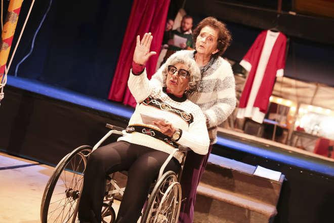 Guaraciaba Malhone e Edimeia Rocha interpretam as irmãs Bartira e Bebel - CAU PERÁCIO / DIVULGAÇÃO