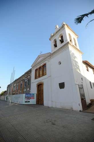 Bem no centro da cidade está a Igreja de Sant¿Ana, construída por Baltasar Fernandes, e a estátua em homenagem a ele - EMÍDIO MARQUES/ARQUIVO JCS (14/12/2017)
